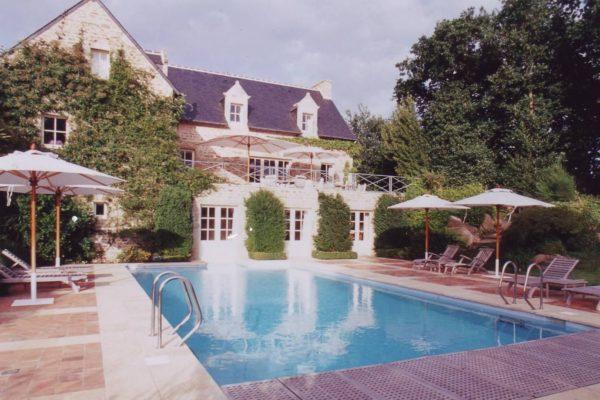 domaine-de-kerneo-pool-1