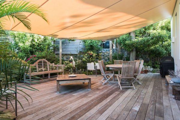 grenadine-deck-garden
